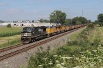 NS 9152 leads two UP units west with 552
