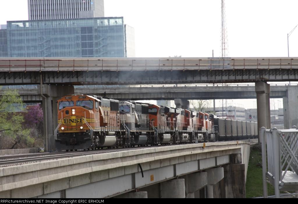BNSF 8877