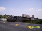 CSX 4750 along with 699 running light