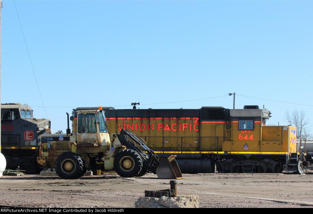 UPY 644 and KCS 4519