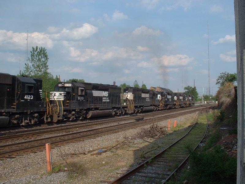 NS Train M87