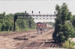 spline train coming on through