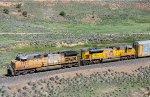 GE and EMD team up on a westbound