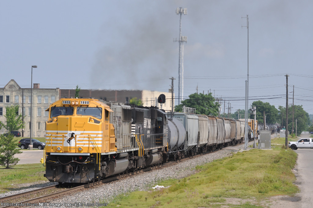 NS 1800 On NS 123 Eastbound