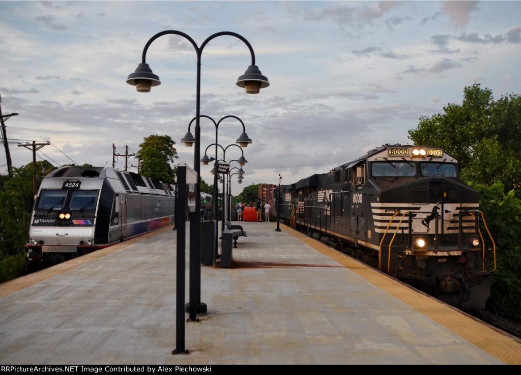 NJT 4524, NS 8000 trains racing