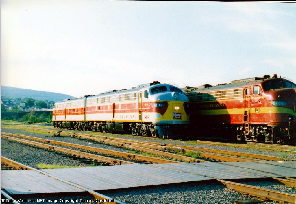3 EMD E8s