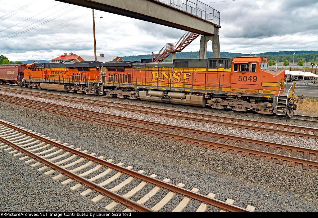 BNSF 5049 North