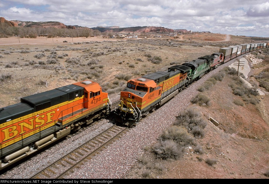 BNSF trains meet