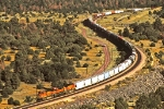 BNSF 4307 West at East Perrin