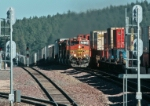 BNSF 4789 West meets eastbound