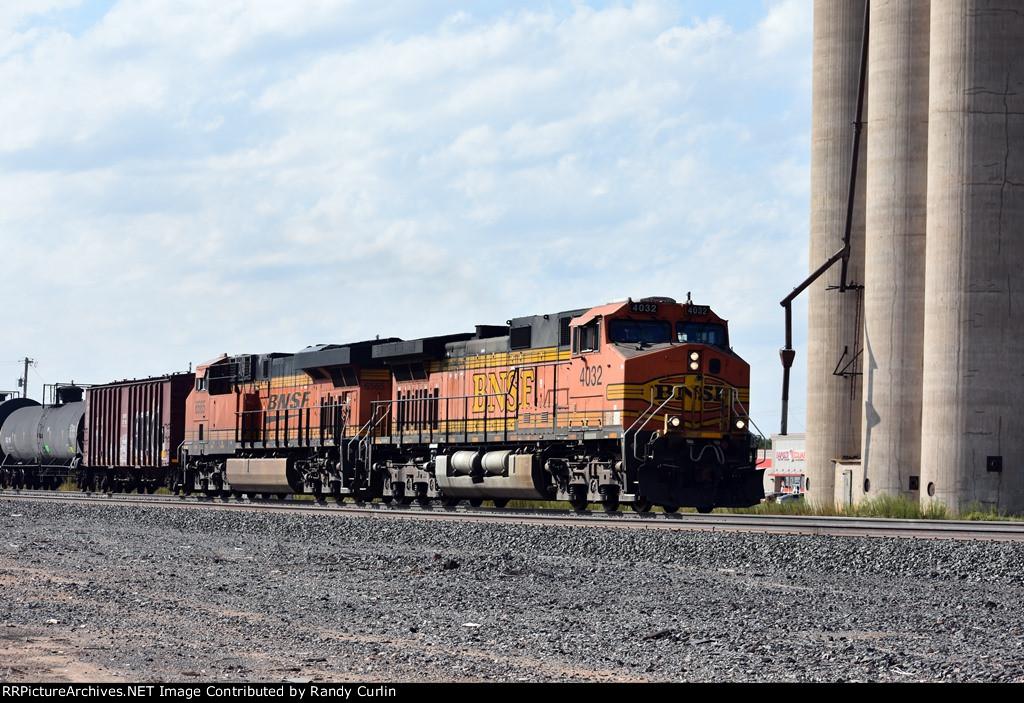 BNSF 4032 West