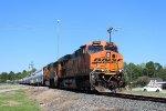BNSF 7593 leads WB manifest
