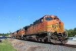 BNSF 5052 leads WB manifest