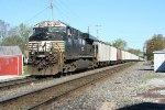 NS 7601 pushing empties NB