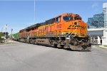 BNSF 6652 on NS 209