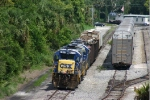 CSX 5817 waits for N172 and Amt no 6 builds northbound Auto Train