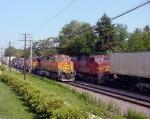 BNSF 4923 ATSF 696 meet