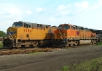 UP 5506 and BNSF 5524