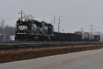 NS 4662 Rolls to a stop on the TRRA.