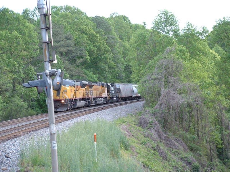 Crossing attacks train 347