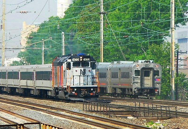 NJT  GP40FH-2  4144