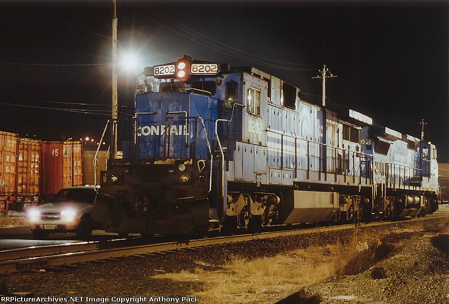 Conrail blue for the NS 211
