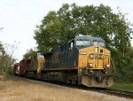 CSX 5237 leads train Q491 southbound
