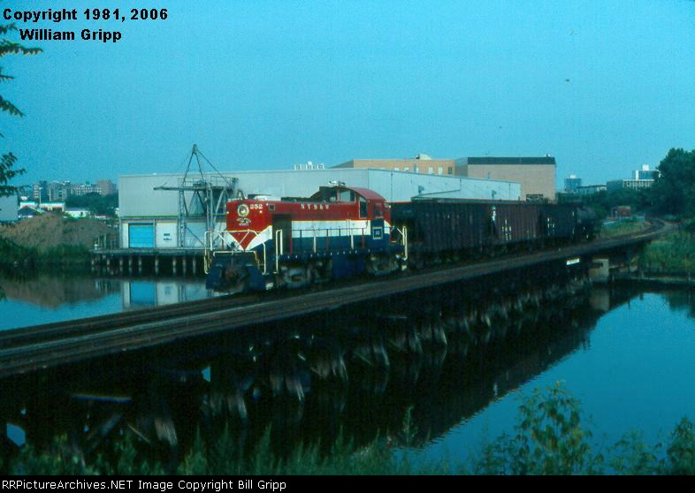 NYSW 252 on Hackensack River Bridge