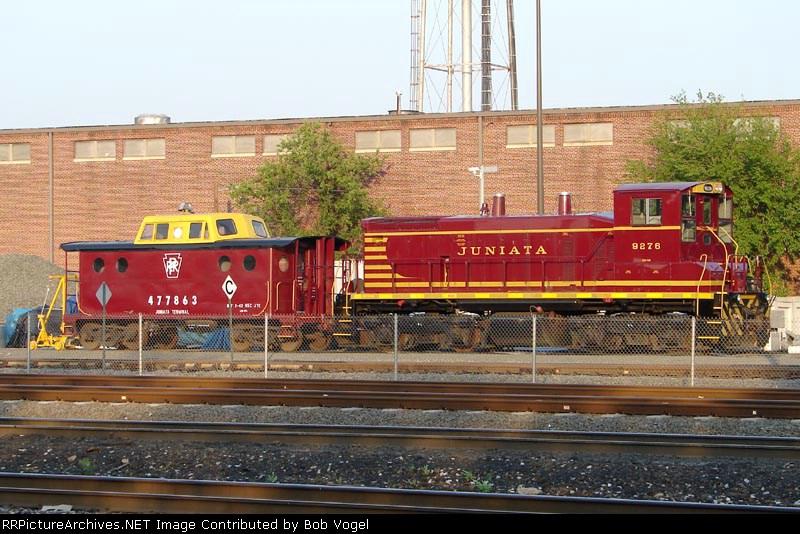 JTCX 9276 & PRR caboose 477863