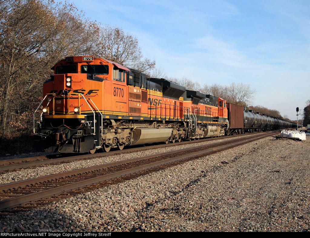 BNSF 8770
