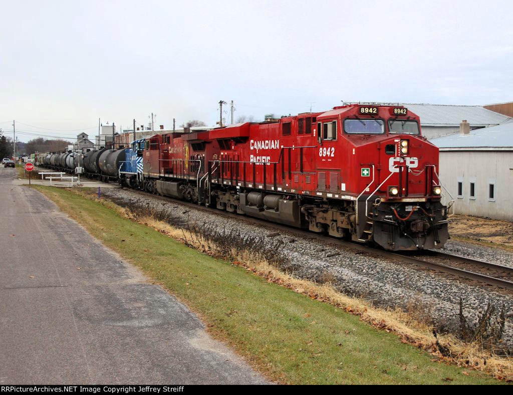CP 8942