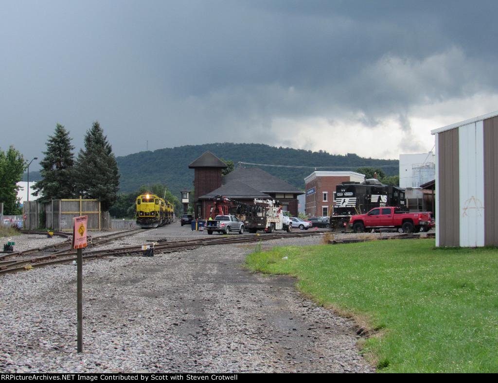 5 idle locomotives