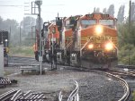 BNSF 5125/4110/3138 and CN 7507 dropping off a couple of empty coal hoppers