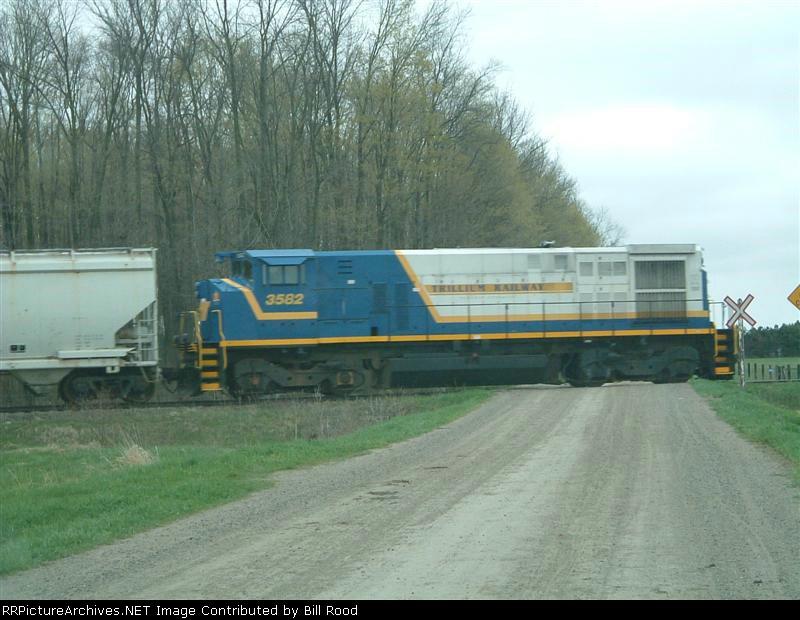 STER 3582 running long hood forward
