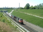 CN 5728 Coming into Canada