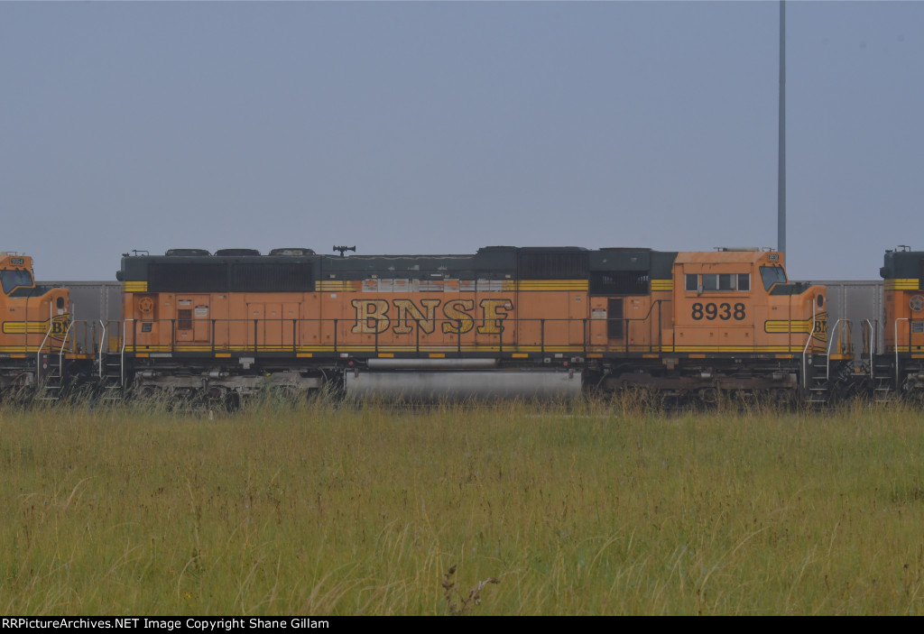 BNSF 8938 Roster shot.