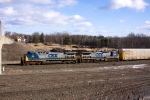 CSX 94 leads Q271 into Selkirk yard