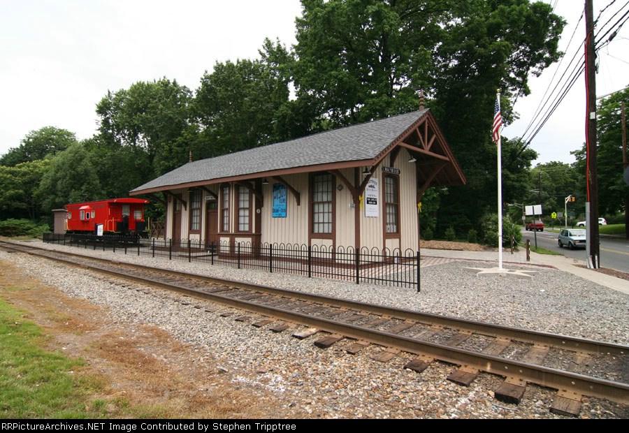 NYSW Historical Maywood station