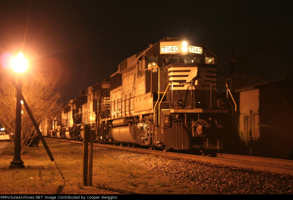 7140 leads 3 GP60s and a GP38-2 on 350 2.5 sec exposure