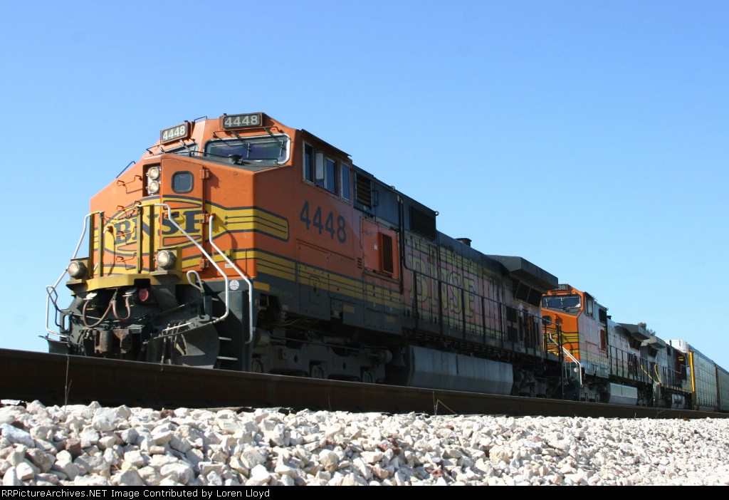 BNSF 4448 at Franklin Canyon