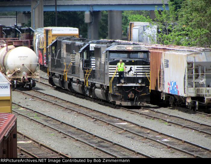 NS 7027-3335-6318