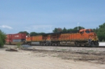 BNSF 7644 breezes by Toluca, Ill eastbound.