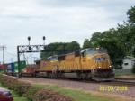 4401 pulls train out of Global III