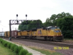 Eastbound freight cruises by Rochelle
