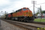 BNSF 5435 with CN help leads'm eastbound