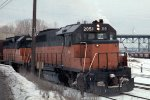 w/b CMSTP&P train led by GP40s #2051 + #2005