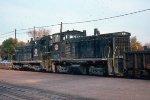 IHB SW7 #8859 + IHB SW1500 #9217 leading e/b train on CRI&P