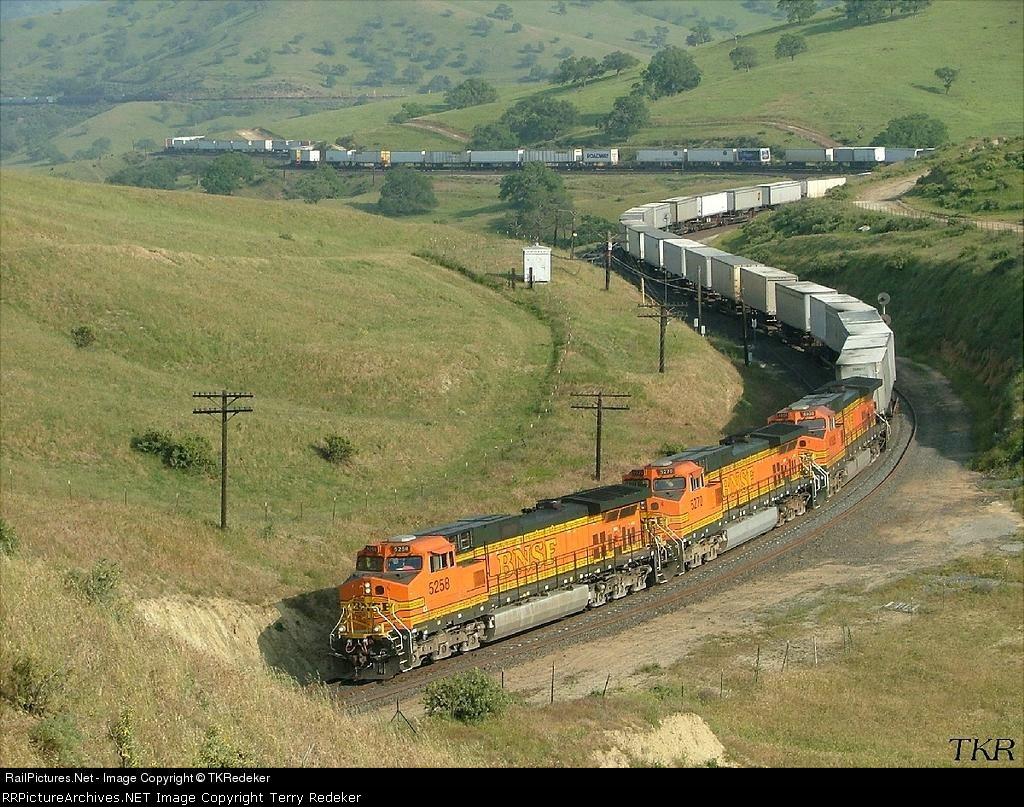 BNSF 5258