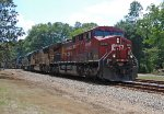 CP 8639 and 7 other units lead Q602 east