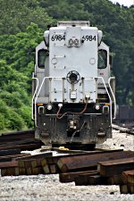 WE 6984 has come off the CSX and now waits for a new crew.